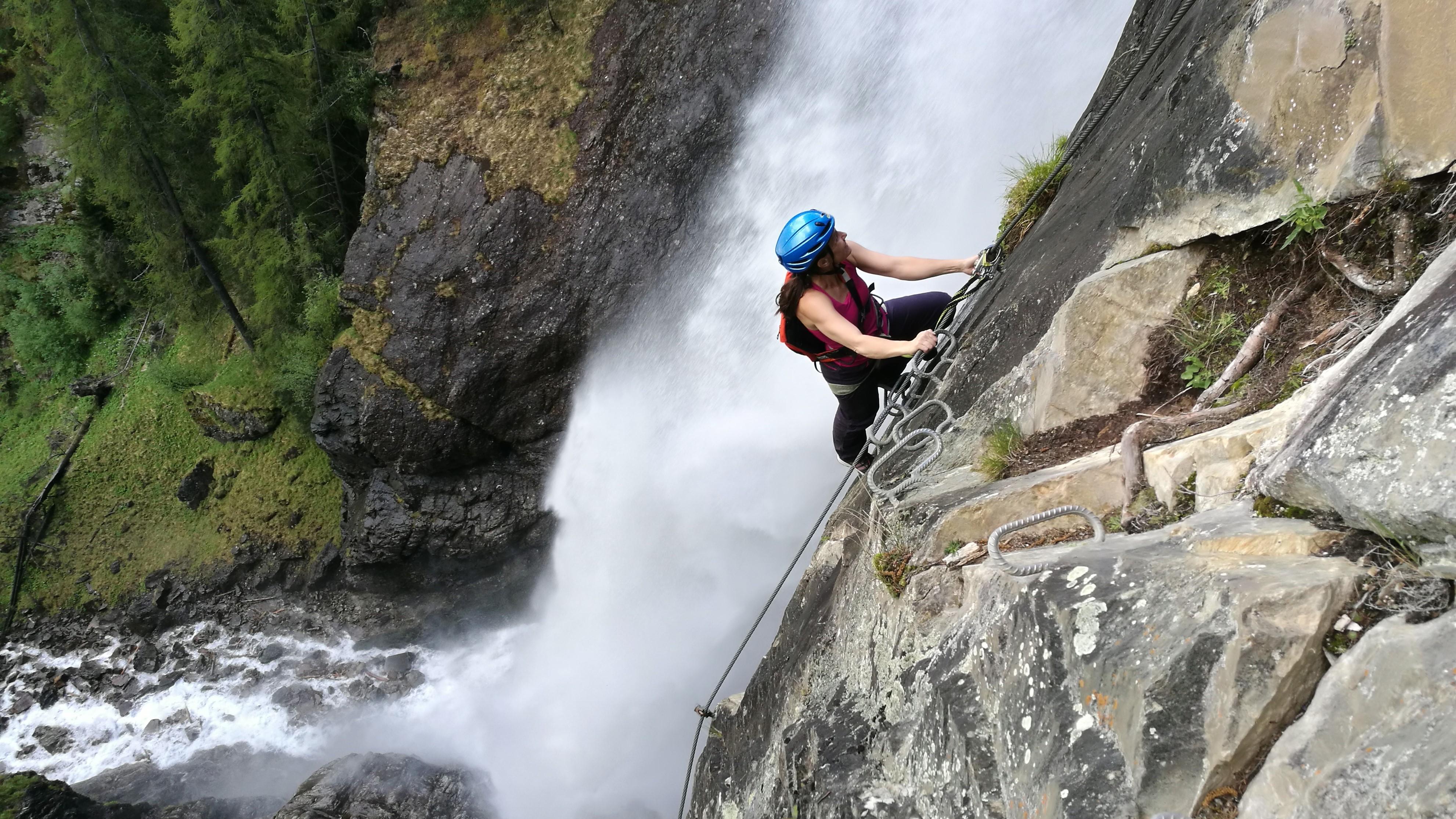 Der spektakuläre Lehner Wasserfall-Klettersteig