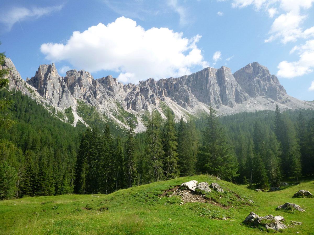 Nikibi 6b+ klettern am Torrione Marcella in den Cortineser Dolomiten