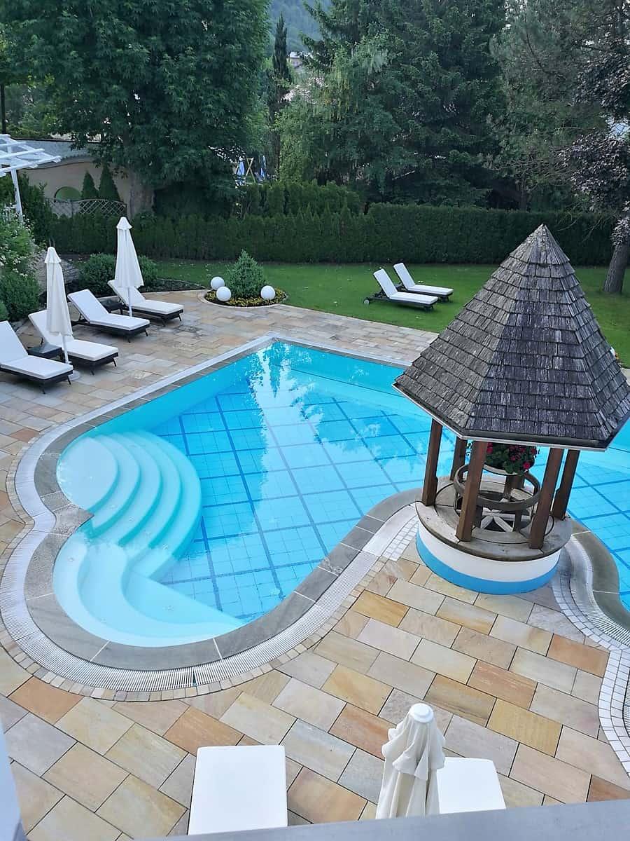 traumhafte Pools im Hotel Bismarck