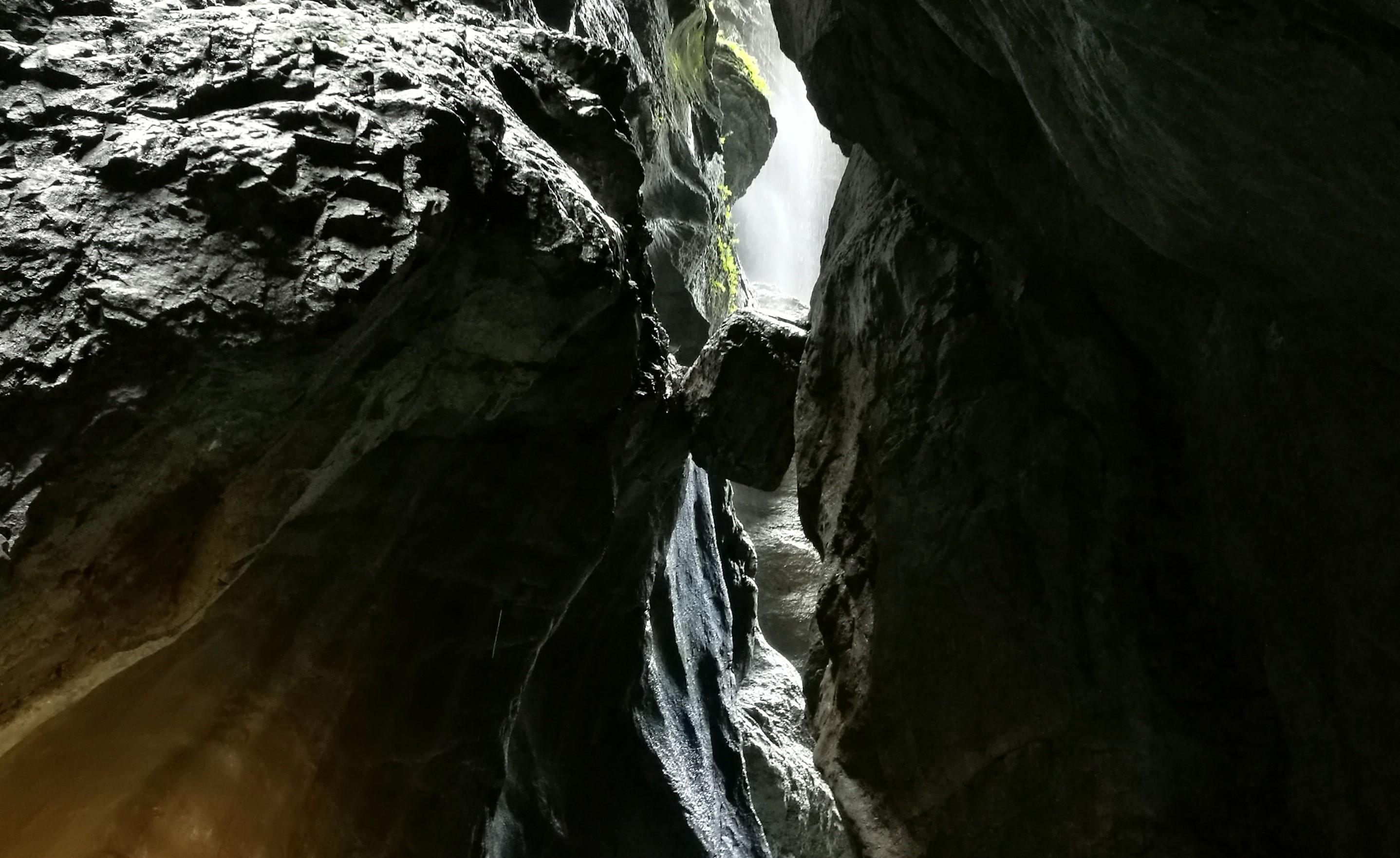 Die Partnachklamm in der Zugspitzregion erkunden...